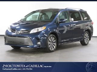 New 2019 Toyota Sienna XLE Premium 7 Passenger Van T2824 in Cadillac, MI