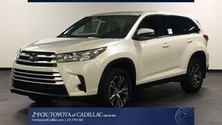 New 2019 Toyota Highlander LE I4 SUV T2807 in Cadillac, MI