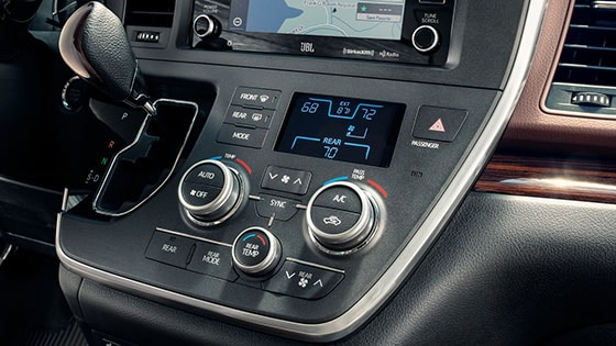 2018 Toyota Sienna Technology