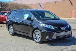 New 2019 Toyota Sienna XLE 8 Passenger Van for Sale in Rochester Hills
