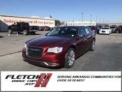 2019 Chrysler 300 TOURING Sedan 2C3CCAAG7KH555973