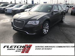 2019 Chrysler 300 TOURING Sedan 2C3CCAAG1KH555970