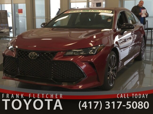New 2019 Toyota Avalon XSE Sedan Joplin