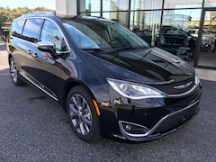 2019 Chrysler Pacifica LIMITED Passenger Van For Sale in Easton, MD