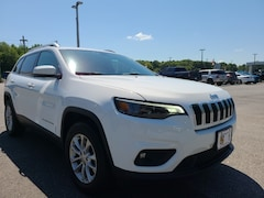 Used 2019 Jeep Cherokee Latitude 4x4 SUV For Sale in Easton, MD