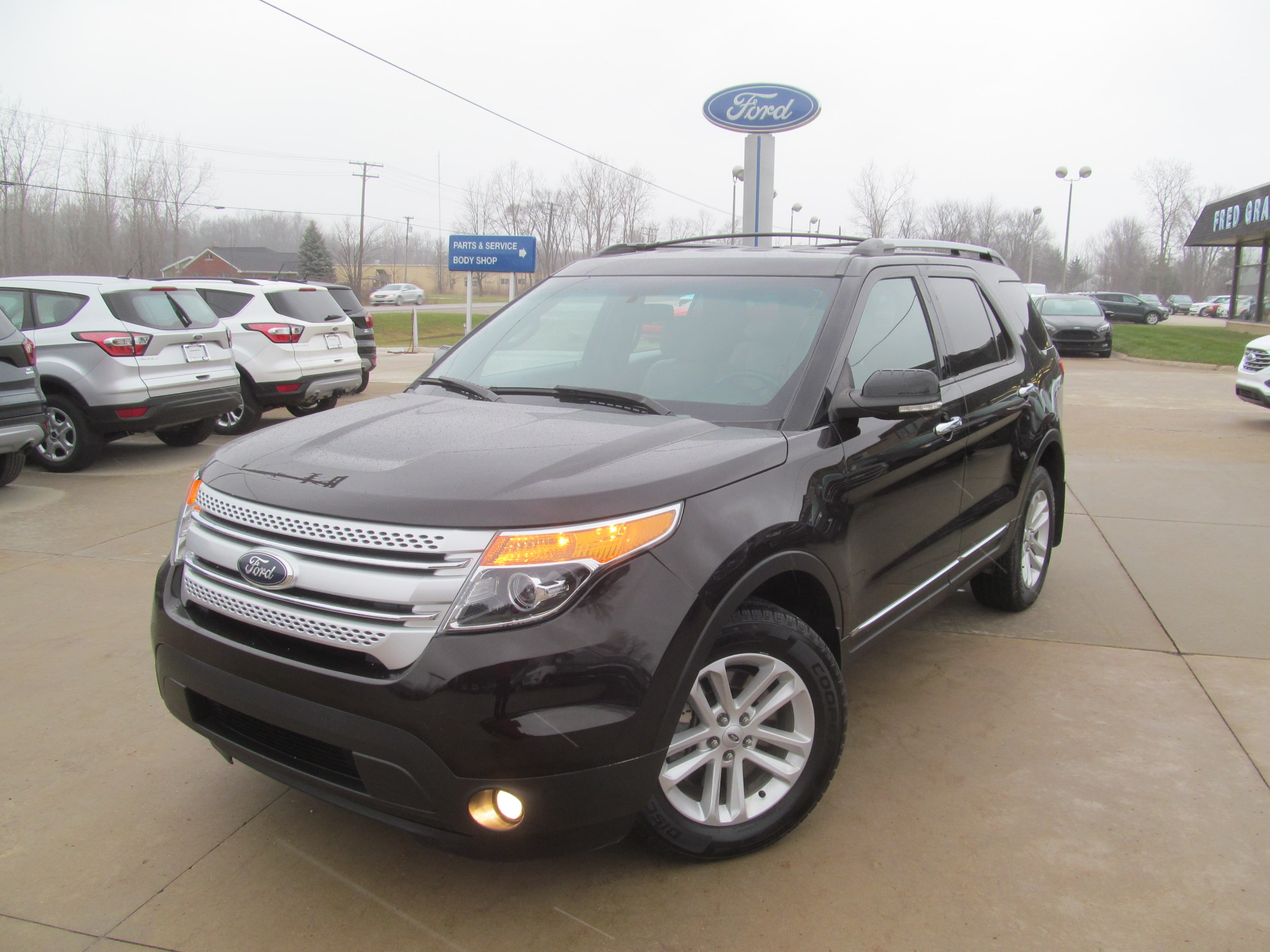 2014 Ford Explorer XLT-4WD Loaded MediumMiles SUV