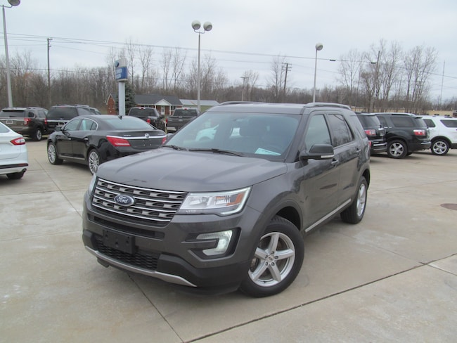 2017 Ford Explorer XLT 4WD with Color Navigation, Heated Seats, Remot SUV