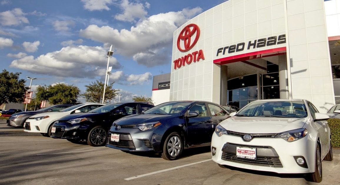 Car Lots In Houston >> Car Dealer Open Sunday Serves Houston Fred Haas Toyota World