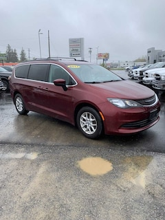 2017 Chrysler Pacifica Touring Van in Fredonia NY