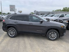 2019 Jeep Cherokee LATITUDE PLUS 4X4 Sport Utility for Sale in Fredonia NY