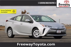 2021 Toyota Prius L Hatchback JTDKAMFU3M3135016