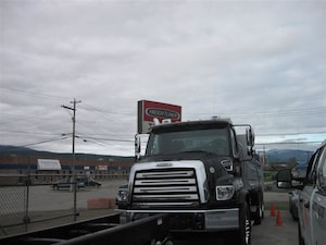 2019 FREIGHTLINER 114 sd dump truck