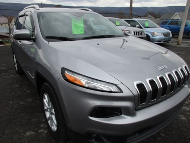 Used 2017 Jeep Cherokee Latitude SUV for sale in Lewistown, PA