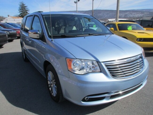 Used 2013 Chrysler Town & Country Touring-L Passenger Van Lewistown PA