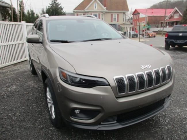 New 2019 Jeep Cherokee LATITUDE 4X4 Sport Utility for sale/lease in Lewistown