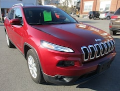 Used 2016 Jeep Cherokee Latitude SUV 1C4PJMCS9GW182711 for sale in Lewistown, PA