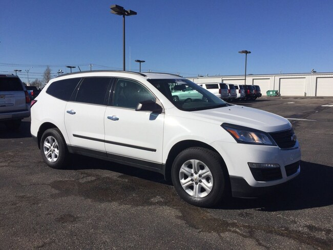 2017 Chevrolet Traverse LS FWD  LS w/1LS