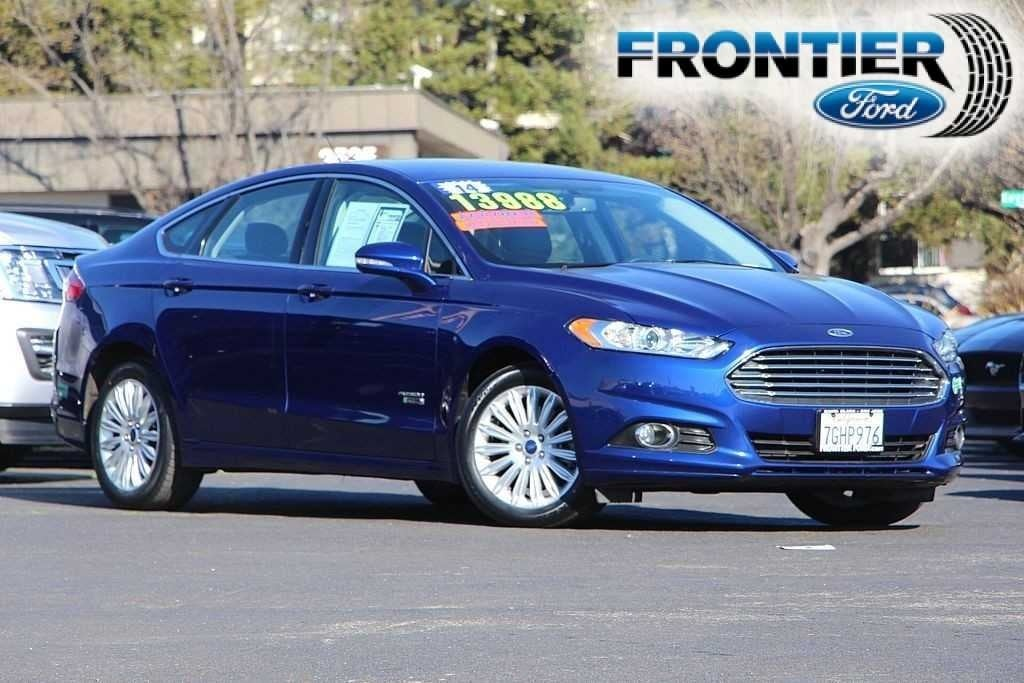 2014 Ford Fusion Energi SE Luxury Sedan