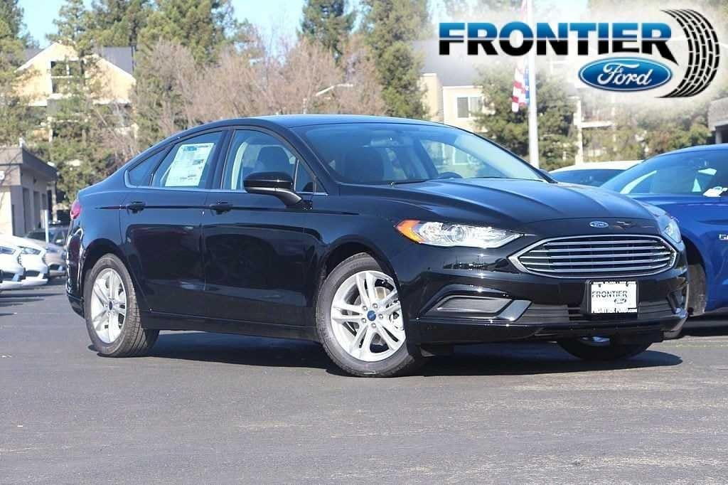 2018 Ford Fusion SE Sedan 3FA6P0HD8JR177321
