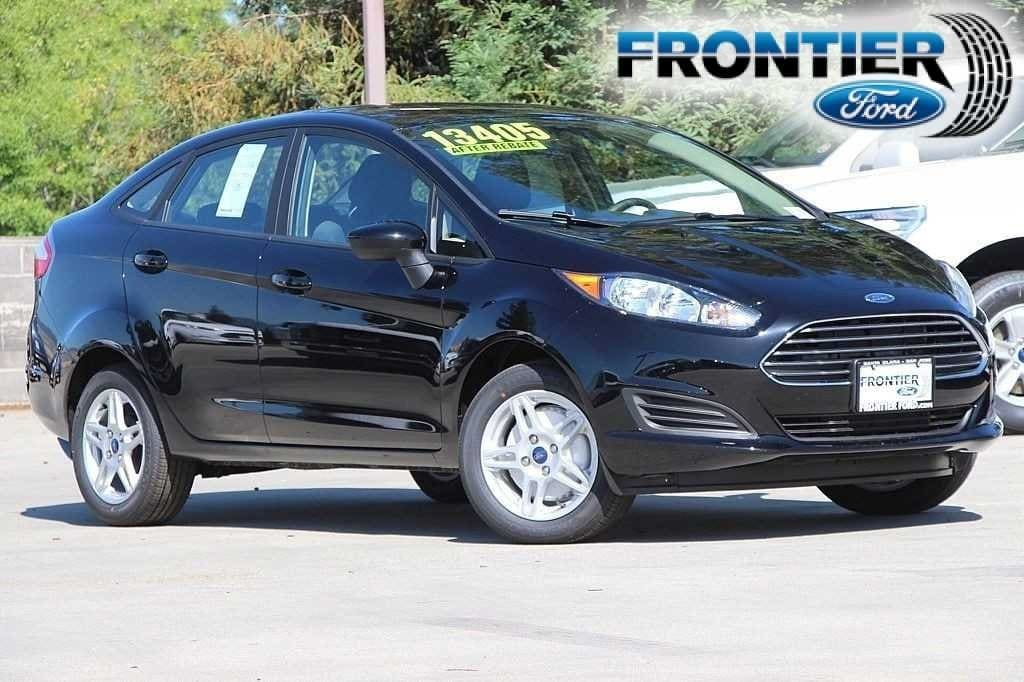 2018 Ford Fiesta SE Sedan 3FADP4BJ1JM123935