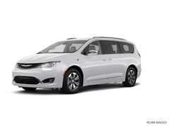 2018 Chrysler Pacifica Hybrid Hybrid Limited Limited  Mini-Van