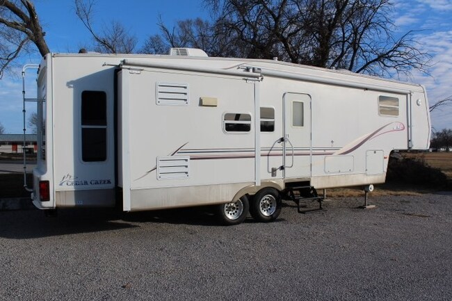 2001 Cedar Creek 5th Wheel