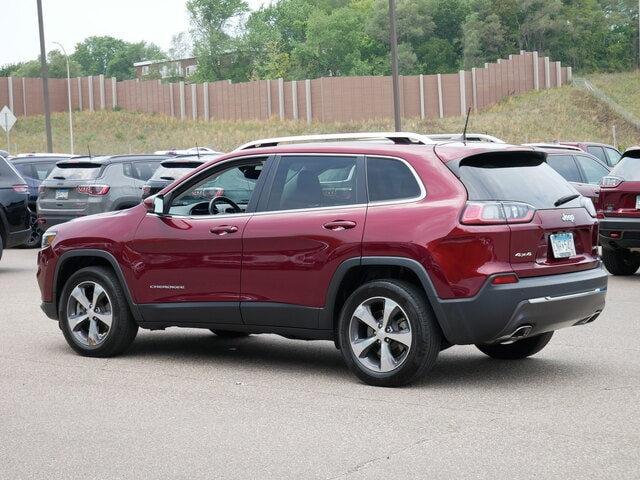 Used 2019 Jeep Cherokee Limited with VIN 1C4PJMDX4KD349586 for sale in South Saint Paul, Minnesota