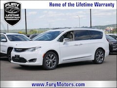 New Chrysler Dodge Jeep RAM Models 2019 Chrysler Pacifica LIMITED Passenger Van 2C4RC1GGXKR506421 for sale in South St Paul, MN