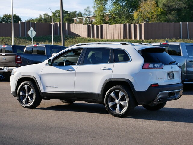 Used 2019 Jeep Cherokee Limited with VIN 1C4PJMDX5KD331338 for sale in South Saint Paul, Minnesota