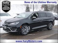 New Chrysler Dodge Jeep RAM Models 2019 Chrysler Pacifica LIMITED Passenger Van 2C4RC1GG1KR636488 for sale in South St Paul, MN