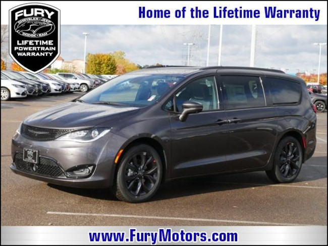 New 2019 Chrysler Pacifica LIMITED Passenger Van For Sale/Lease St. Paul, MN