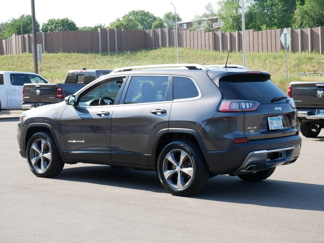 Used 2019 Jeep Cherokee Limited with VIN 1C4PJMDX9KD156818 for sale in Oak Park Heights, Minnesota
