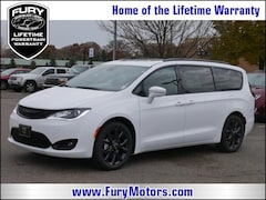 New Chrysler Dodge Jeep RAM Models 2019 Chrysler Pacifica LIMITED Passenger Van 2C4RC1GG4KR525126 for sale in South St Paul, MN