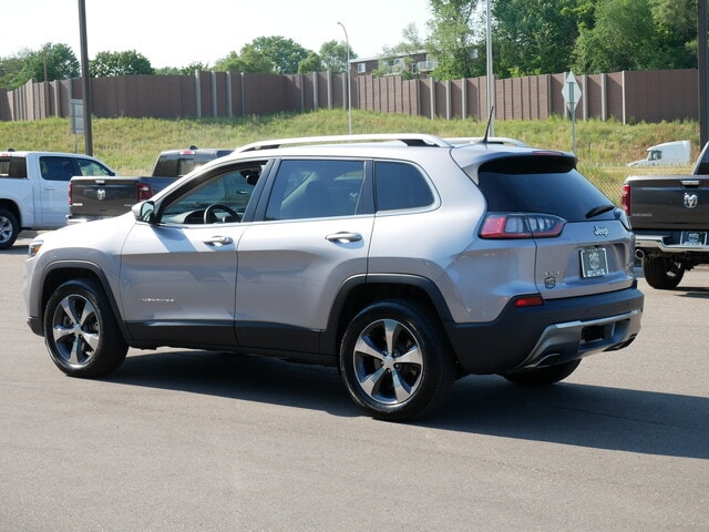 Used 2019 Jeep Cherokee Limited with VIN 1C4PJMDX3KD122180 for sale in Oak Park Heights, Minnesota