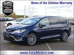 New Chrysler Dodge Jeep RAM Models 2019 Chrysler Pacifica LIMITED Passenger Van 2C4RC1GG2KR550137 for sale in South St Paul, MN