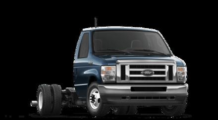 2021 Ford Econoline Cutaway E-450 DRW Cutaway Commercial-truck