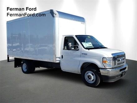 2021 Ford Econoline Cutaway E-350 DRW Cutaway Truck