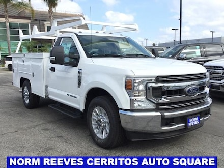 2020 Ford F-350 Chassis XLT Truck