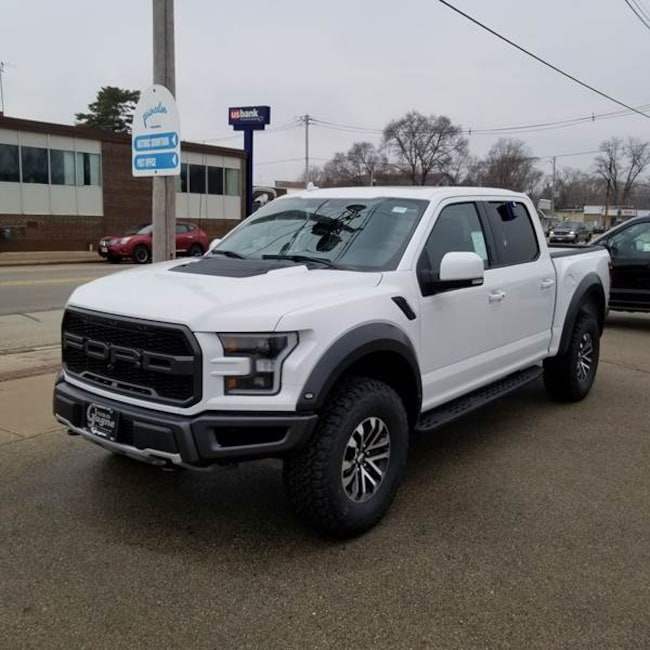 2019 Ford F-150 Raptor SuperCrew 4x4 5.5ft SB Pickup Truck