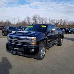 2017 Chevrolet Silverado 2500HD High Country 4x4 4dr Crew Cab SB Pickup Truck