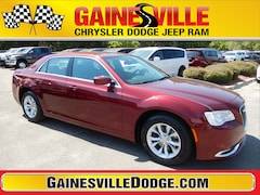 New 2019 Chrysler 300 TOURING Sedan 19L331 in Gainesville, FL