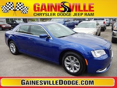 New 2019 Chrysler 300 TOURING Sedan 19L346 in Gainesville, FL