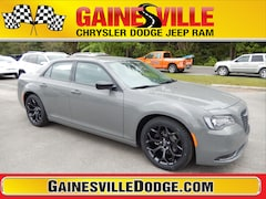 New 2019 Chrysler 300 TOURING Sedan 19L342 in Gainesville, FL