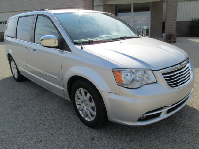 2012 Chrysler Town & Country Touring-L SPORT VAN