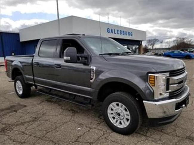 2019 Ford F-250 XLT 4x4  Crew Cab 6.75 ft. box 160 in. WB SRW Sedan
