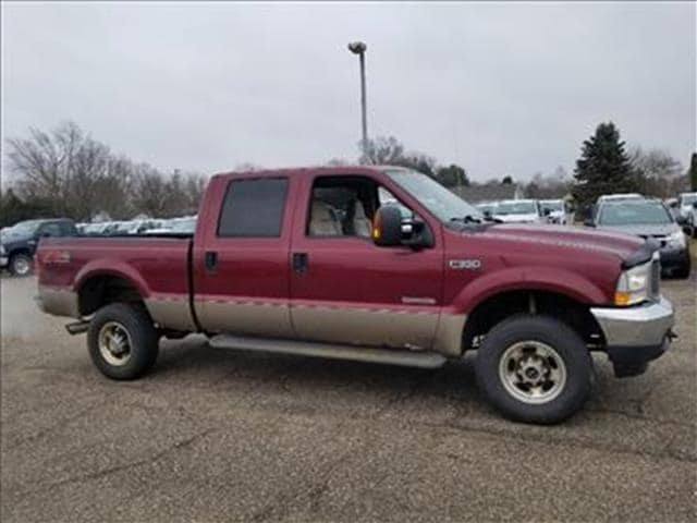 2004 Ford F-350 Lariat 4x4  Crew Cab 156 in. WB SRW HD Sedan