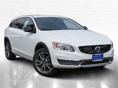 Certified Pre-Owned 2018 Volvo V60 Cross Country T5 AWD Wagon JP8210 in Van Nuys, CA