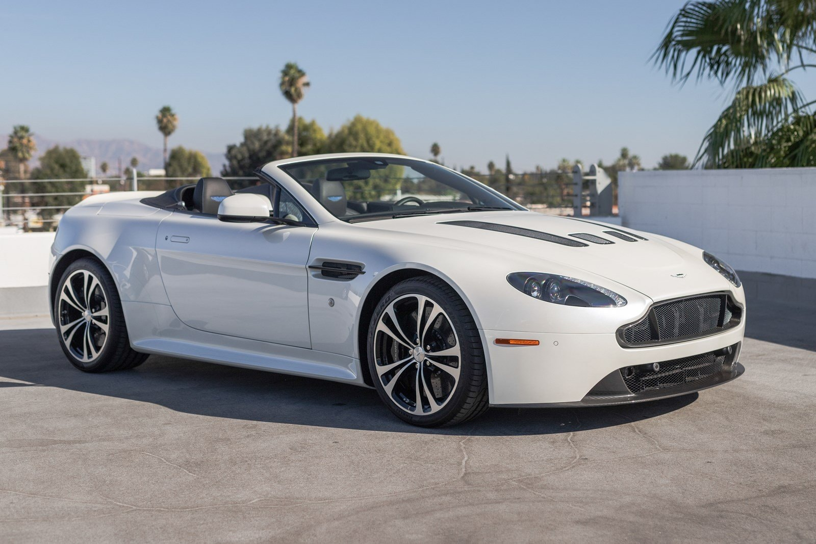 used 2017 aston martin v12 vantage s for sale at galpin volvo | vin
