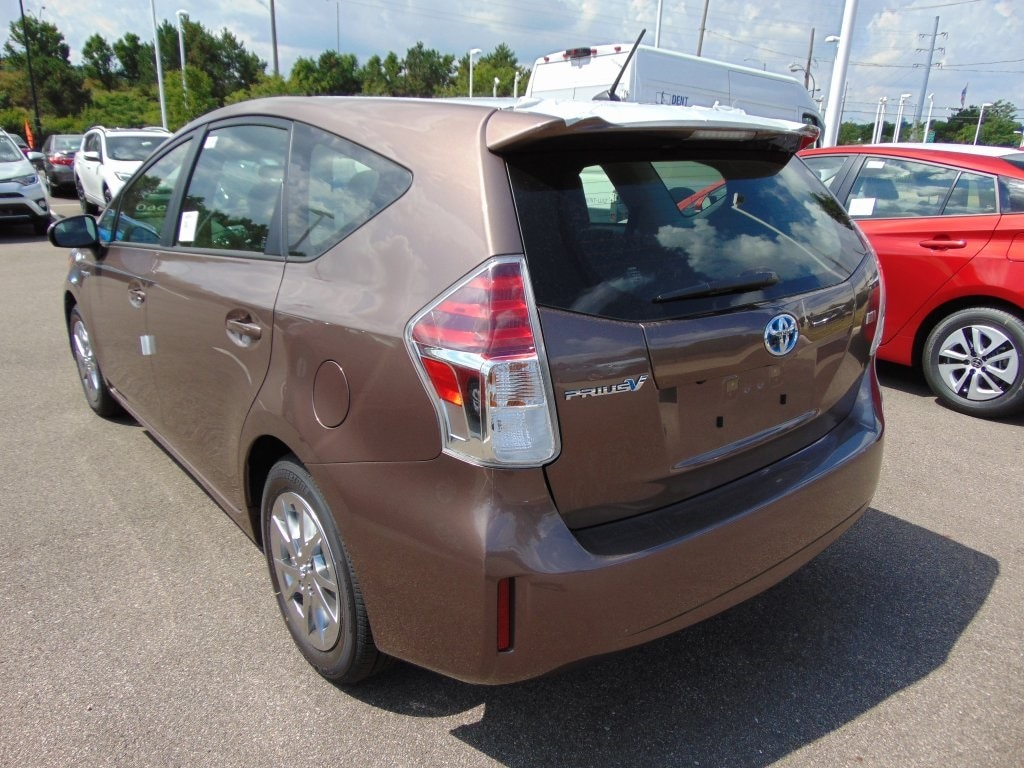 new 2017 toyota prius v 5 door two for sale in akron oh stock 79901. Black Bedroom Furniture Sets. Home Design Ideas