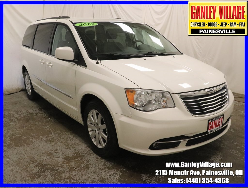 2013 Chrysler Town & Country Touring Minivan/Van